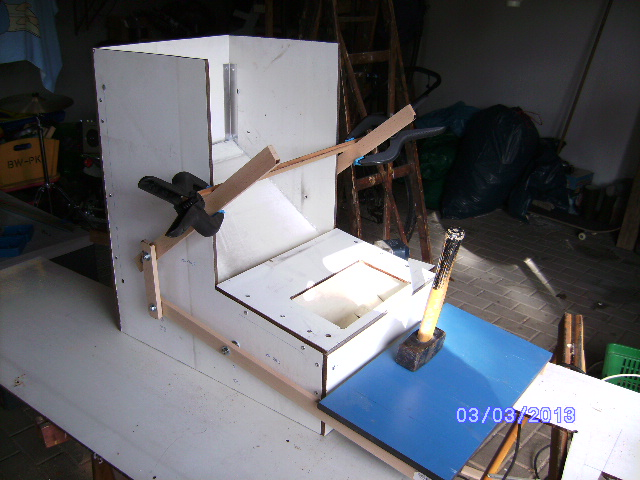 futterautomat selber bauen h hner futterautomat h hner ebay kleinanzeigen h hnerstall selber. Black Bedroom Furniture Sets. Home Design Ideas